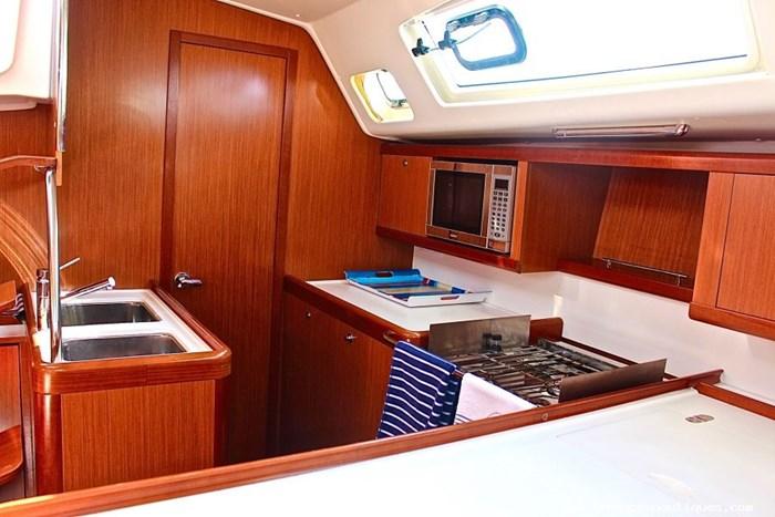 2008 Beneteau Oceanis Photo 8 sur 9