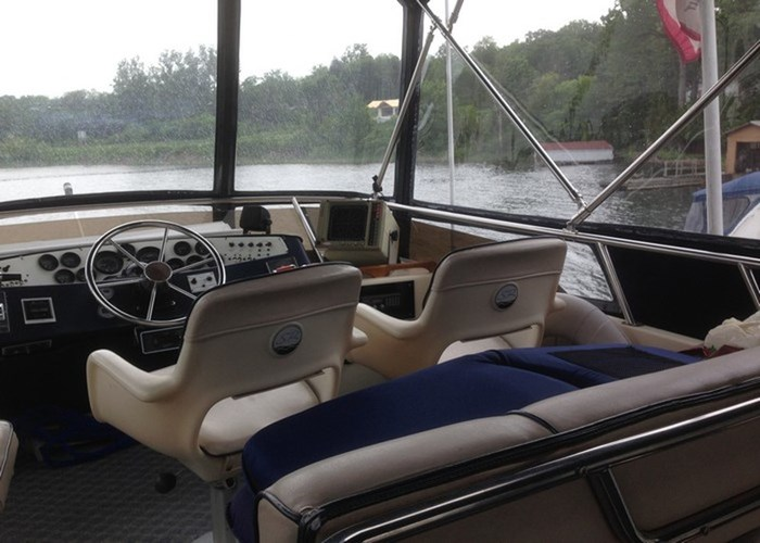 1985 Sea Ray 360 AFT Photo 4 of 13