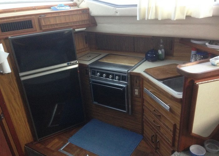 1985 Sea Ray 360 AFT Photo 7 of 13