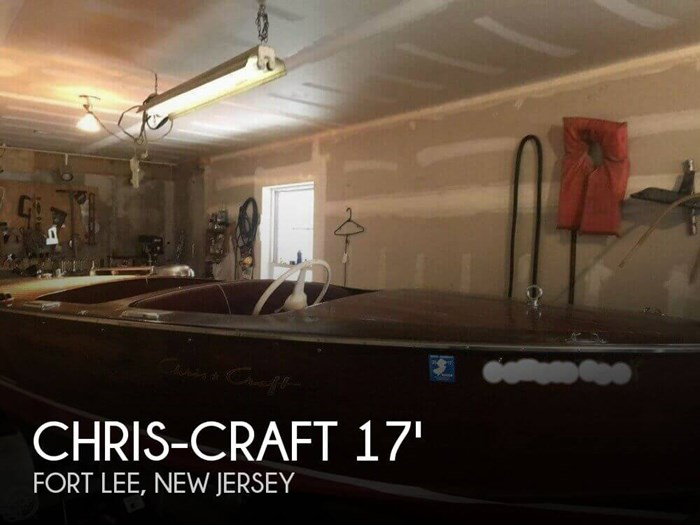 1957 Chris-Craft 17 Deluxe Runabout. Photo 1 of 8