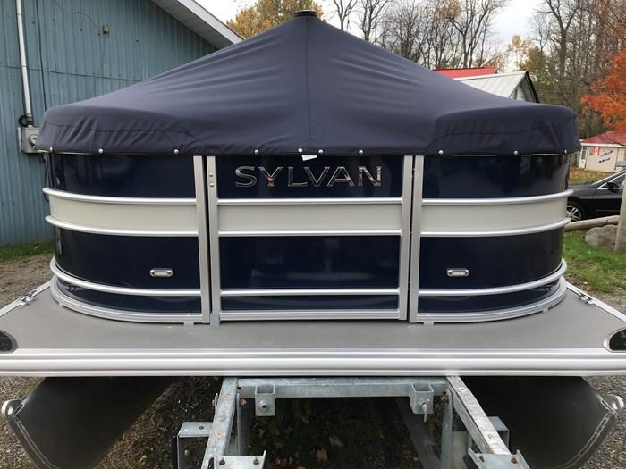 2019 SYLVAN MIRAGE 8520 CRUISE Photo 6 of 17
