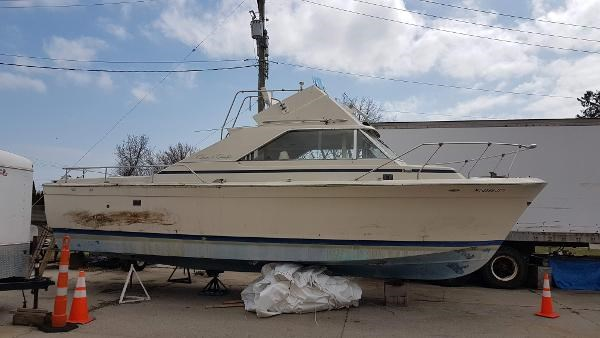 Chris-Craft 31 Commander Sports Express 1971 Used Boat for Sale in sarnia,  Ontario - BoatDealers ca