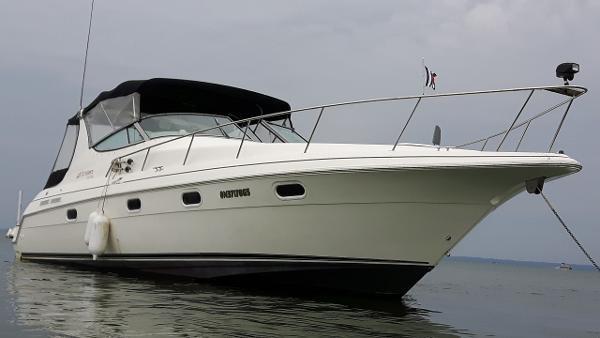 1997 Cruisers Yachts 3375 Esprit Photo 1 sur 19