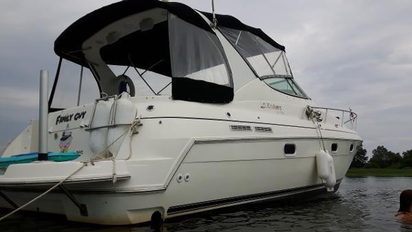 1997 Cruisers Yachts 3375 Esprit Photo 4 sur 19