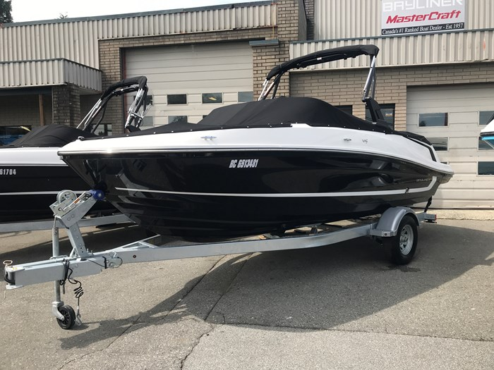 Bayliner VR5 Bowrider 2019 New Boat for Sale in Burnaby, British Columbia -  BoatDealers ca