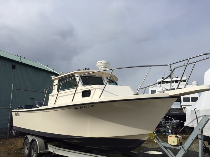 Parker 2520SL 2006 Used Boat for Sale in Port Alberni, British Columbia -  BoatDealers ca