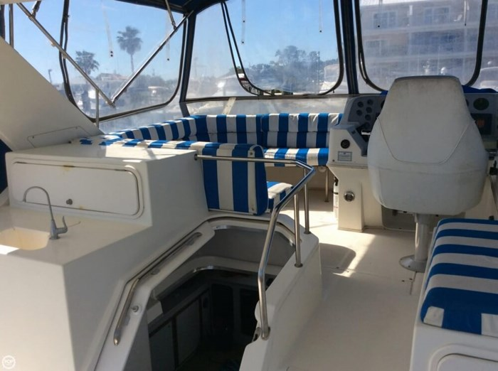 1994 Cruisers Yachts 3850 Aft Cabin Photo 3 sur 20