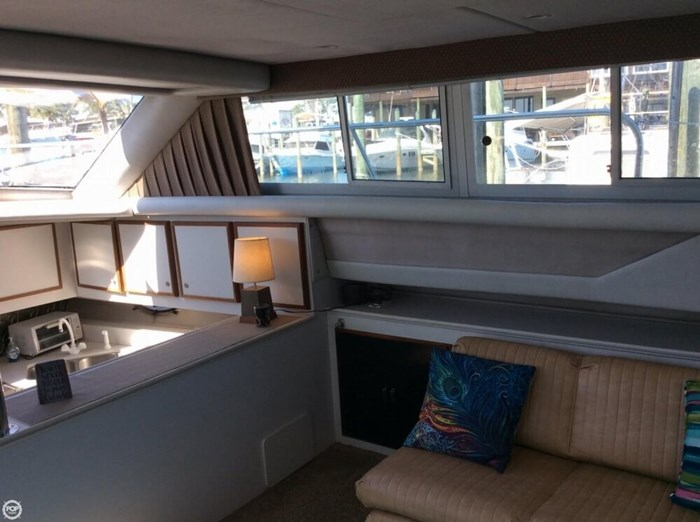 1994 Cruisers Yachts 3850 Aft Cabin Photo 12 sur 20