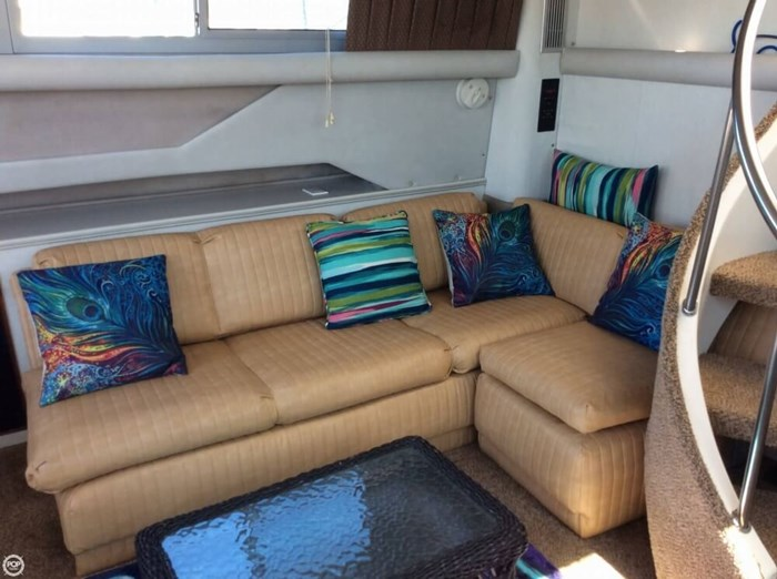 1994 Cruisers Yachts 3850 Aft Cabin Photo 15 sur 20