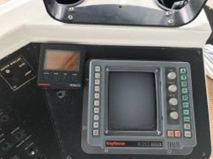 1991 Carver 4207 Motor Yacht Photo 31 sur 64
