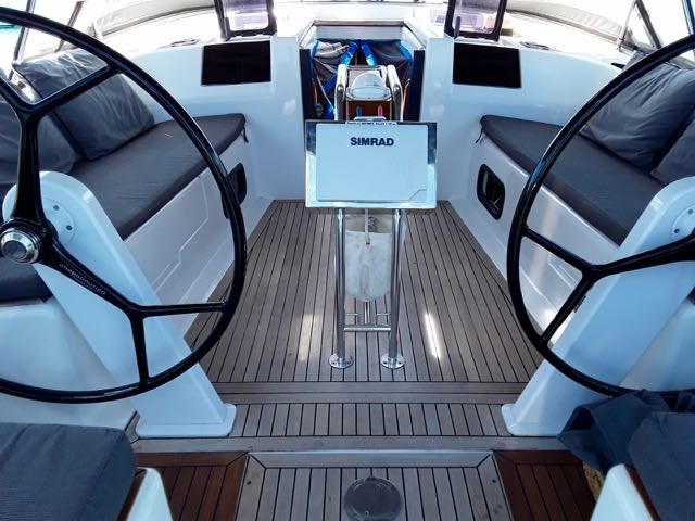 2014 Hanse Yachts AG Hanse 415 Photo 8 of 22