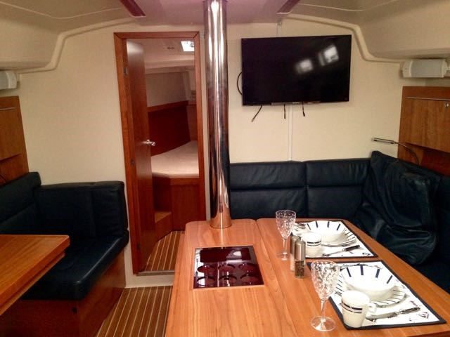 2014 Hanse Yachts AG Hanse 415 Photo 15 of 22