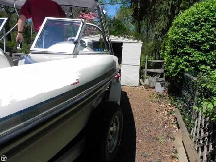 2003 Tracker Nitro 288 Sport Photo 3 of 20