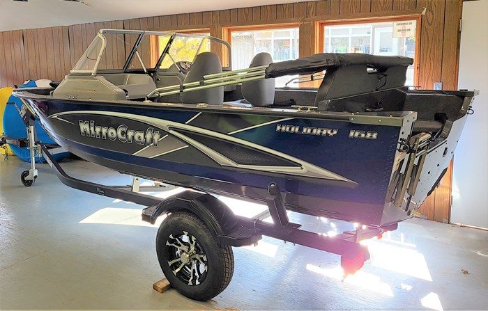 2021 MirroCraft Boat, Mercury Motor & Trailer (Package) Holiday 168 - 20T - Blue Photo 3 of 25