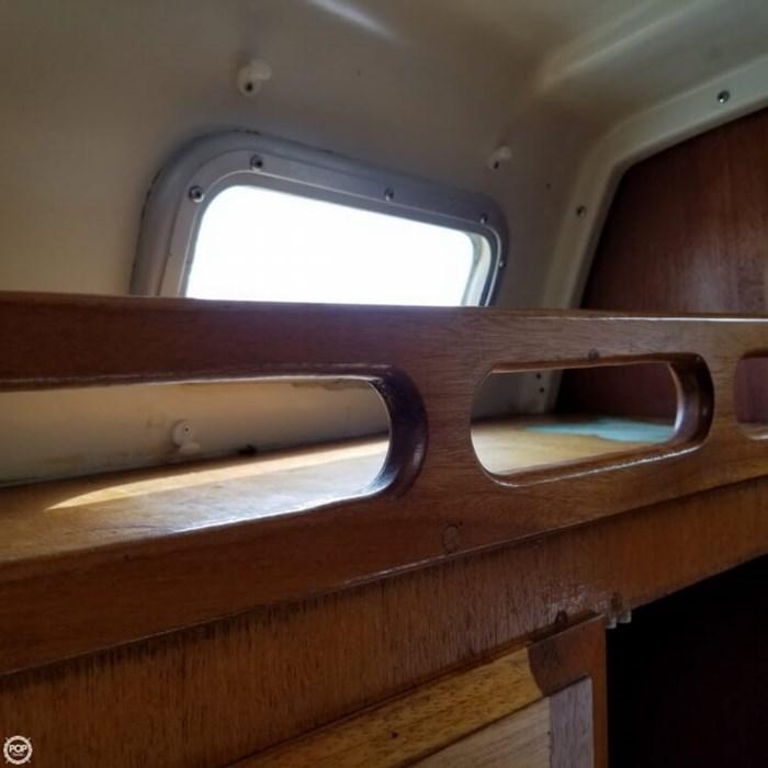 1975 Ericson Yachts 32-2 Photo 11 of 20