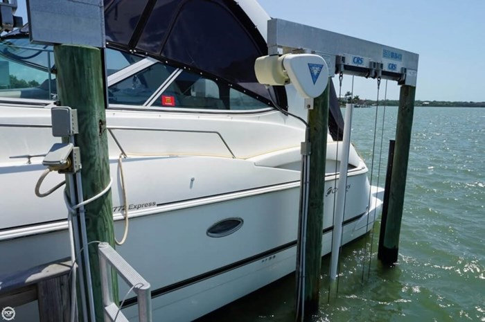 2003 Cruisers Yachts 3772 Express Photo 13 sur 20