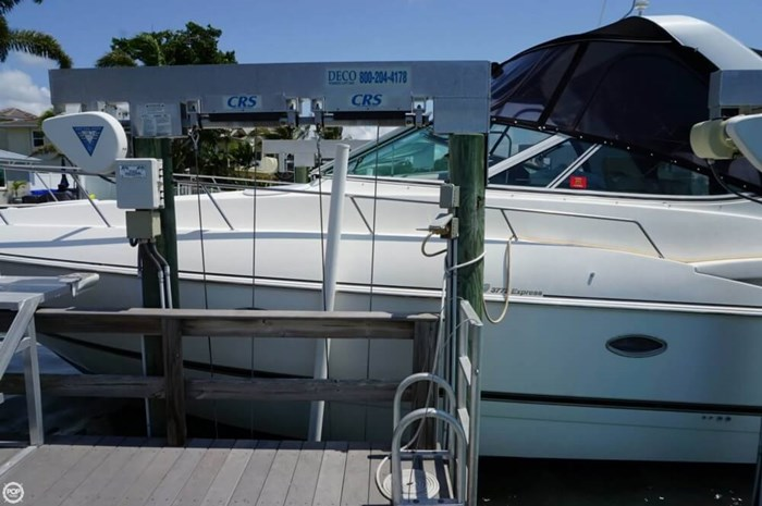 2003 Cruisers Yachts 3772 Express Photo 16 sur 20