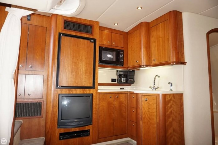 2003 Cruisers Yachts 3772 Express Photo 6 sur 20