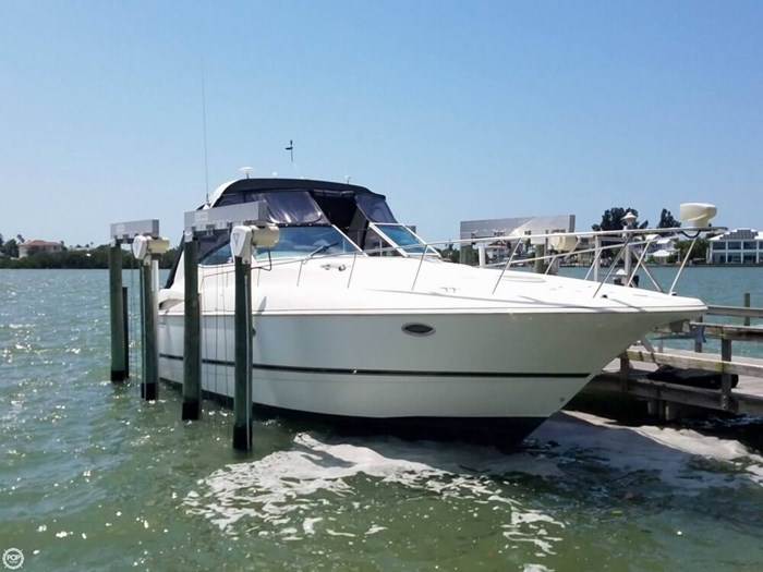 2003 Cruisers Yachts 3772 Express Photo 10 sur 20