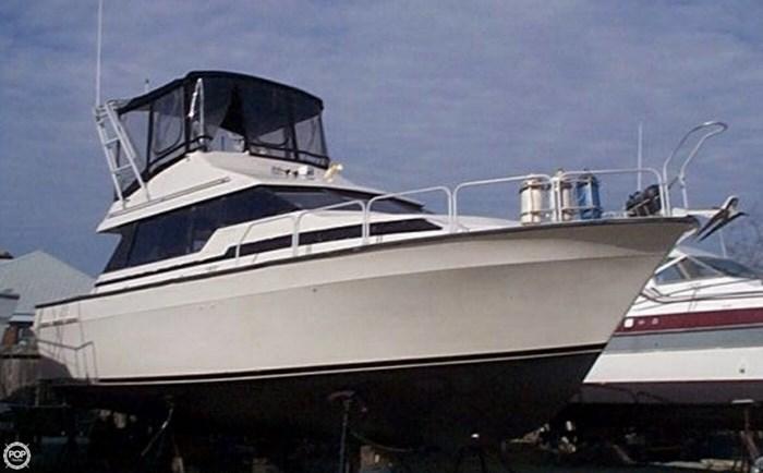 1990 Mainship 35 Mediterranean Photo 6 of 20