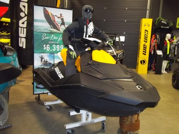 2019 Sea-Doo SPARK® 2-up Rotax® 900 HO ACE™ IBR & CON Photo 2 of 2