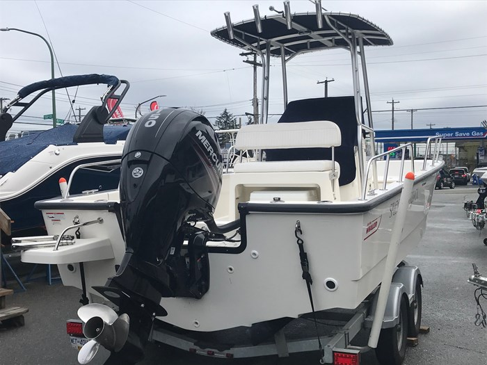 2018 Boston Whaler 210 Montauk Photo 4 sur 13