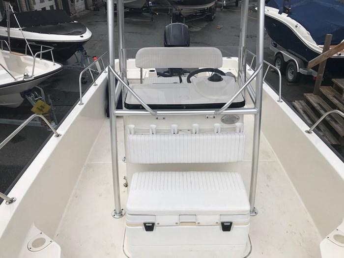 2018 Boston Whaler 210 Montauk Photo 8 sur 13