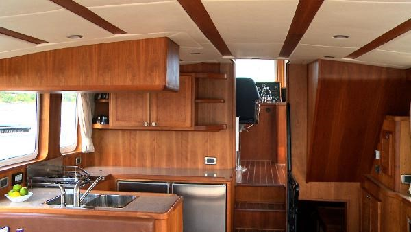 2014 Whitacre Yacht Designs Pilothouse Photo 3 sur 30