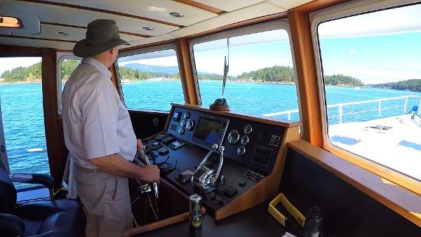 2014 Whitacre 68 Offshore Adventure Pleasure Yacht Coast Guard Cutter Photo 21 sur 44