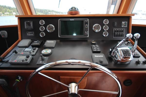 2014 Whitacre Yacht Designs Pilothouse Photo 13 sur 30