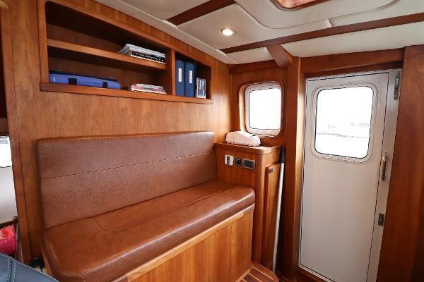 2014 Whitacre 68 Offshore Adventure Pleasure Yacht Coast Guard Cutter Photo 23 sur 44