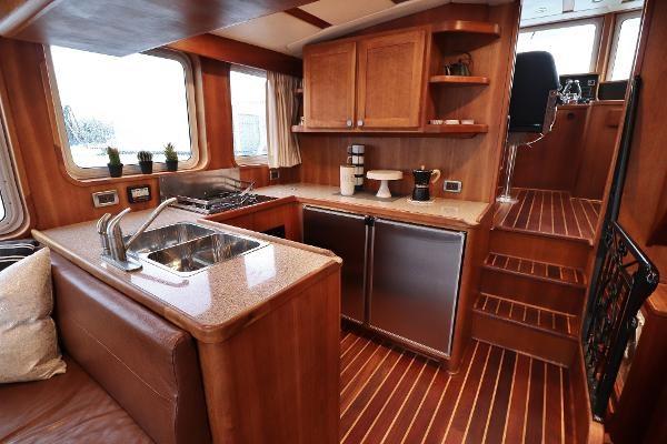 2014 Whitacre 68 Offshore Adventure Pleasure Yacht Coast Guard Cutter Photo 4 sur 44