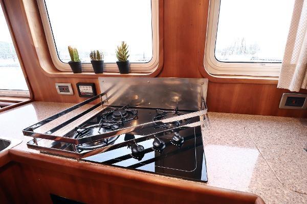 2014 Whitacre 68 Offshore Adventure Pleasure Yacht Coast Guard Cutter Photo 6 sur 44