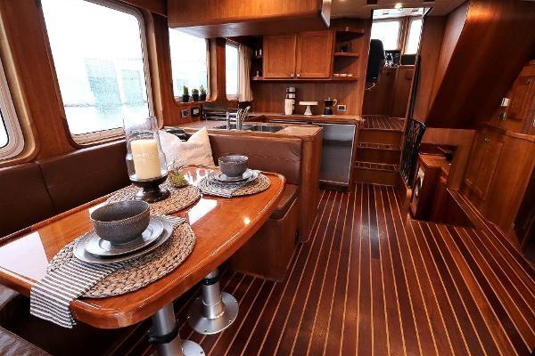 2014 Whitacre 68 Offshore Adventure Pleasure Yacht Coast Guard Cutter Photo 3 sur 44