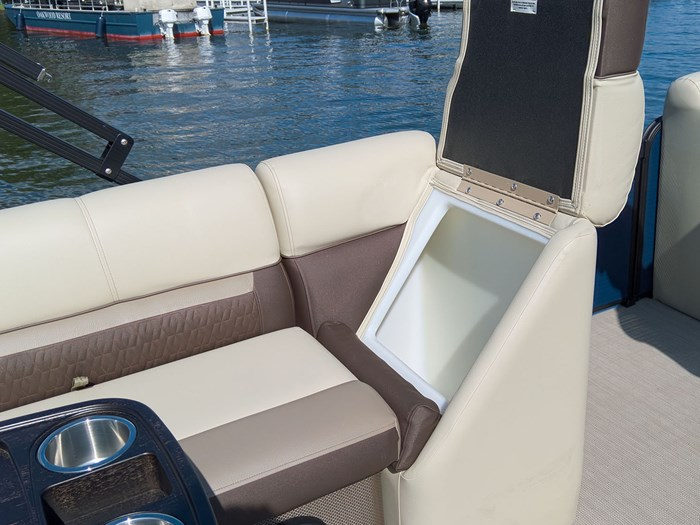 2019 Godfrey Sweetwater Pontoon&Mercury Motor (Package) 2286 Cruise - Metallic Navy w/Navy & Vapor Blue Photo 29 of 34