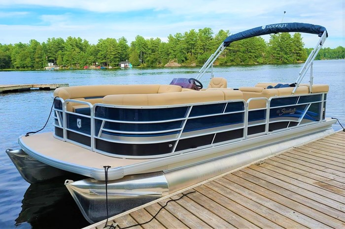 2019 Godfrey Sweetwater Pontoon&Mercury Motor (Package) 2286 Cruise - Metallic Navy w/Navy & Vapor Blue Photo 3 of 34