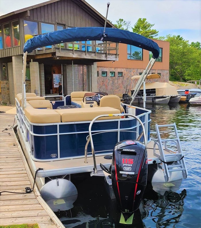 2019 Godfrey Sweetwater Pontoon&Mercury Motor (Package) 2286 Cruise - Metallic Navy w/Navy & Vapor Blue Photo 4 of 34