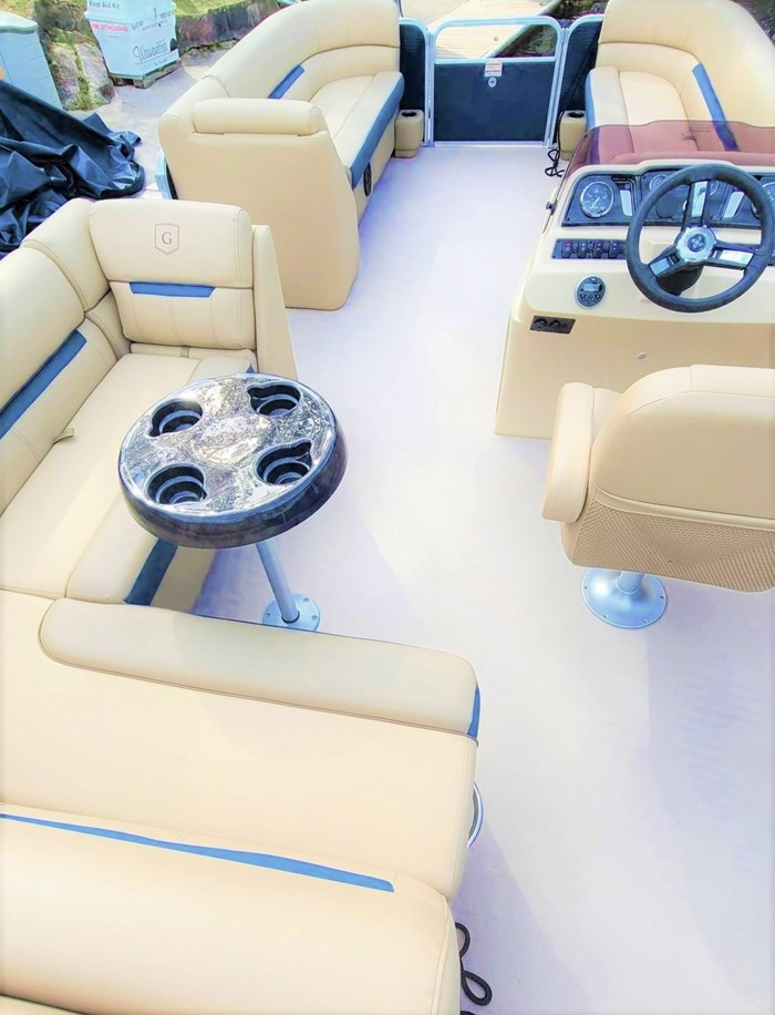 2019 Godfrey Sweetwater Pontoon&Mercury Motor (Package) 2286 Cruise - Metallic Navy w/Navy & Vapor Blue Photo 7 of 34