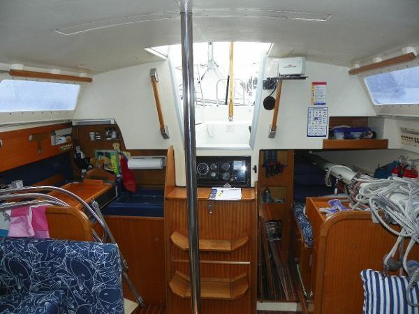 1975 Dufour Yachts 31 Photo 6 sur 21