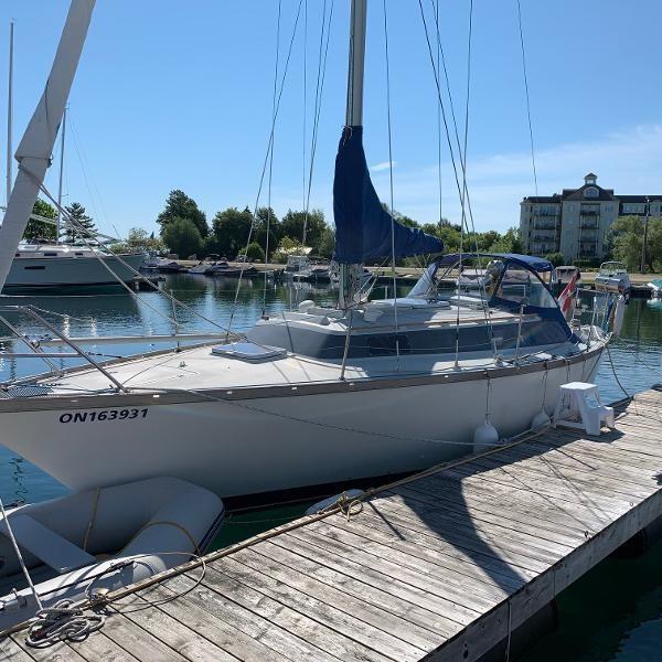 1975 Dufour Yachts 31 Photo 1 sur 21