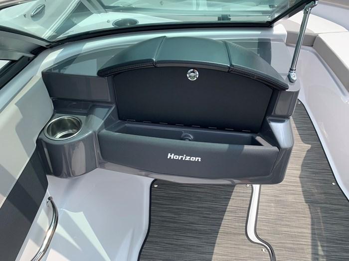2019 Four Winns Four Winns H190 Volvo v6-200hp Trailer Extended... Photo 11 of 30