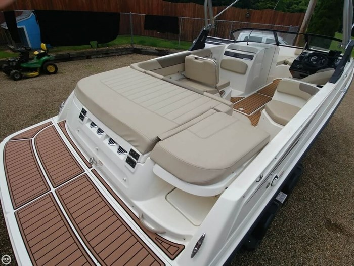 2016 Bayliner VR 6 Photo 2 sur 20