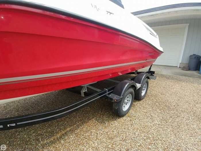 2016 Bayliner VR 6 Photo 17 sur 20