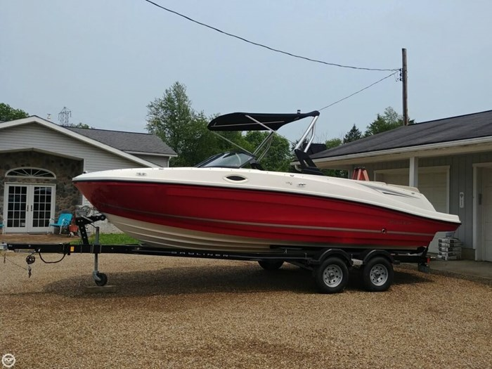2016 Bayliner VR 6 Photo 10 sur 20