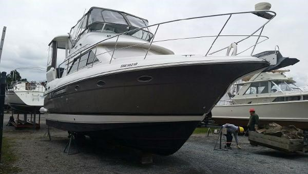 2003 Cruisers Yachts 3750 Motoryacht Photo 1 sur 22