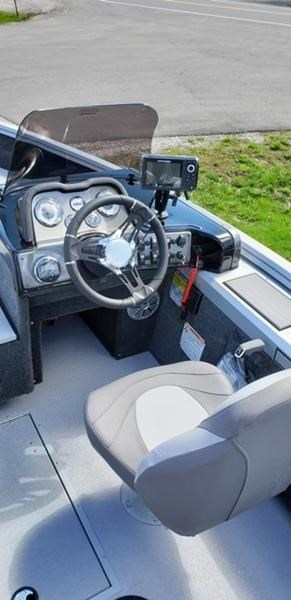 2019 Smoker Craft 161 Pro Angler XL Side Console Photo 5 sur 8