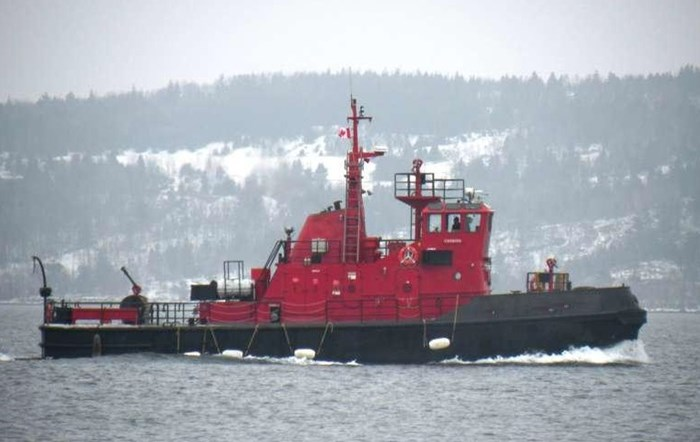 1978 1978 76′ x 21′ x 8.5′ Fire Class Tug w/ Tractor Capabilities Photo 1 of 10