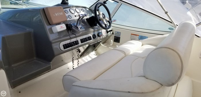 2005 Cruisers Yachts 320 Express Photo 13 sur 20