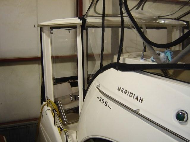 2005 Meridian 368 MOTOR YACHT Photo 4 of 51