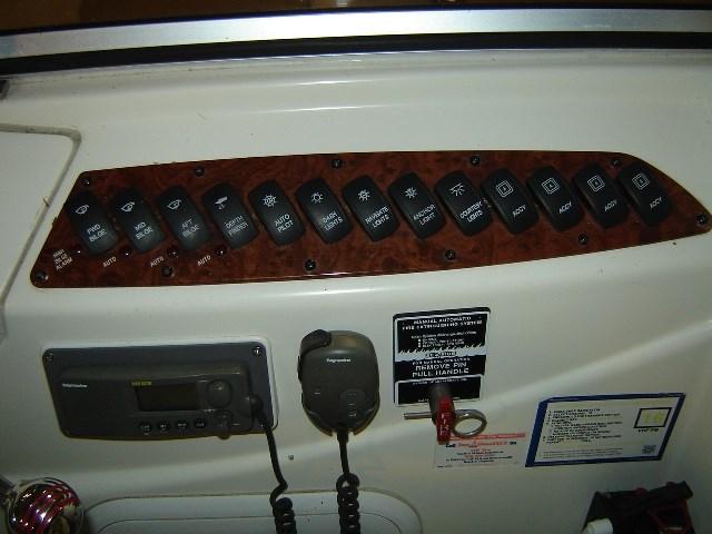 2005 Meridian 368 MOTOR YACHT Photo 14 of 51